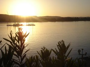 Dämmerung auf dem Nil, der Lebensader Ägyptens
