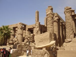 Die Tempelruinen von Karnak bei Luxor