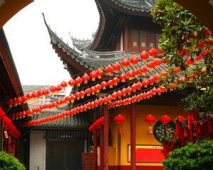 Hübsch geschmückte traditionelle Häuser in China